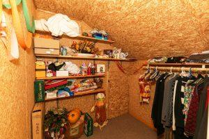 Bonus Room Ideas: Girly Walk-In Closet