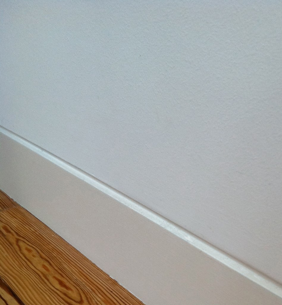 Baseboard Style Recessed