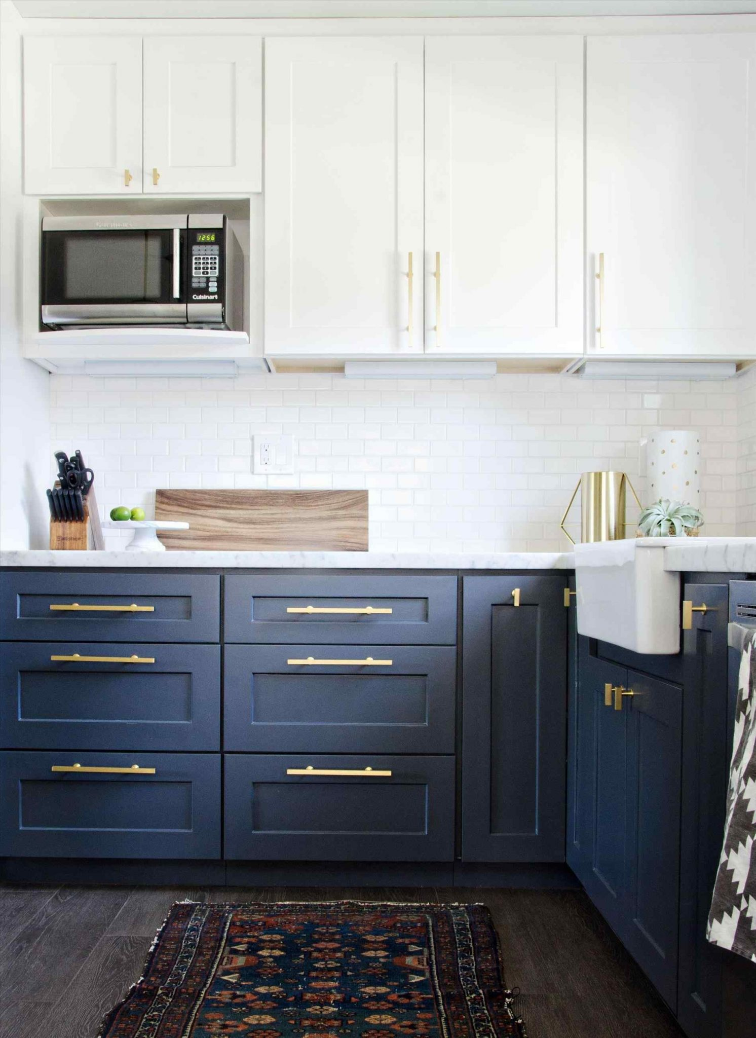 how to do two tone kitchen cabinets