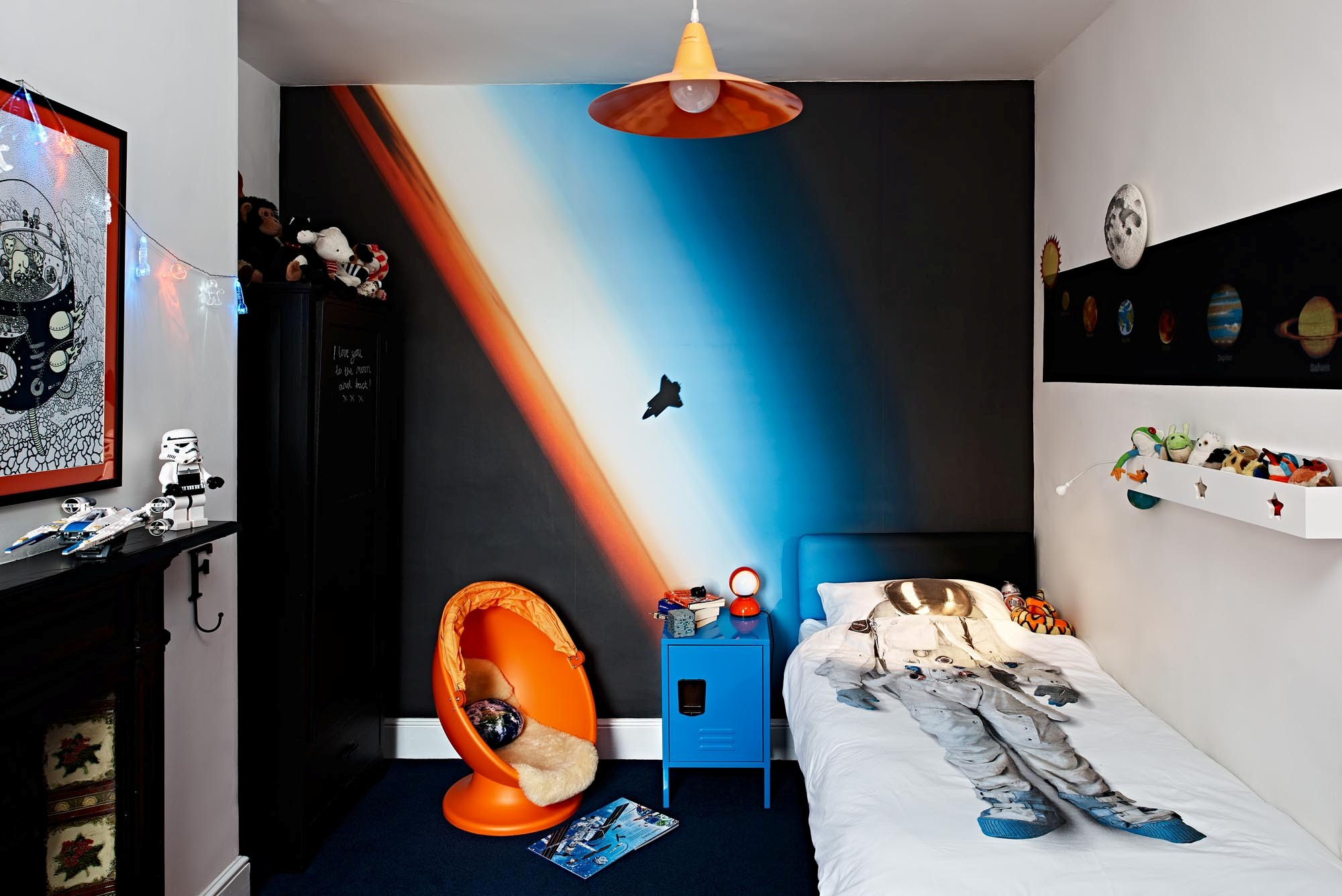 space themed hotel room near me