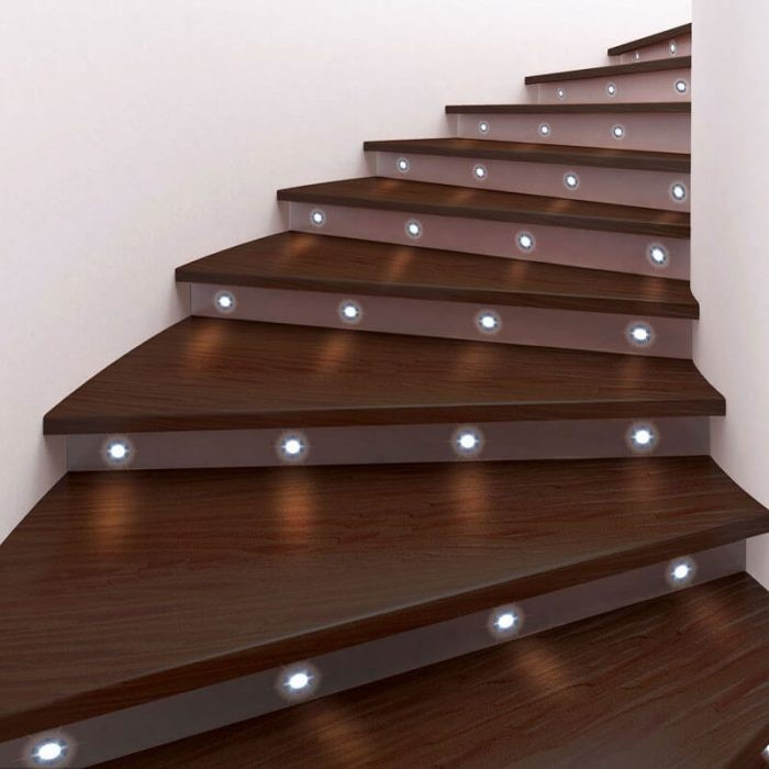 stairway lighting code