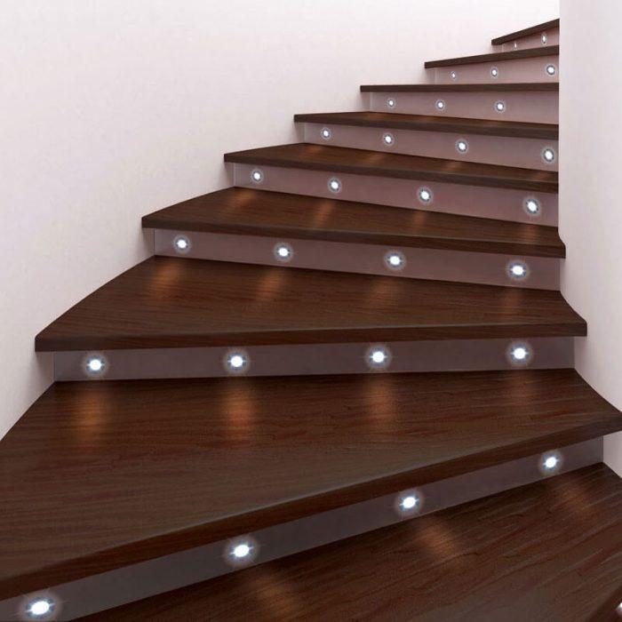 stairway lighting code