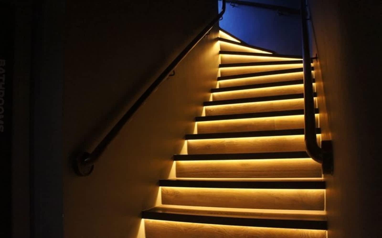 lowes stair lighting