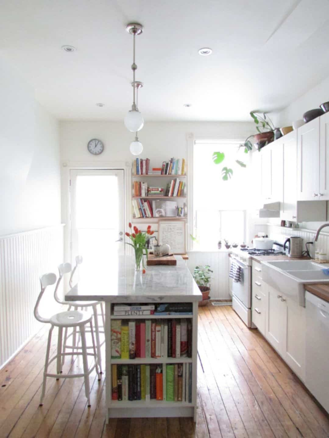 small kitchen island and stools